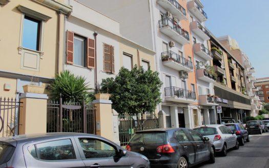 luminoso ufficio Cagliari San Benedetto