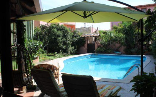 vendere casa-Villa con piscina Elmas-agenzia immobiliare-cosmopolitan centro servizi immobiliari