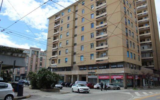 ufficio in affitto-cagliari-locazioni immobiliari-agenzia immobiliare-qualificata-cosmopolitan centro servizi immobiliari